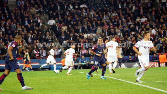 PSG FCB2 011