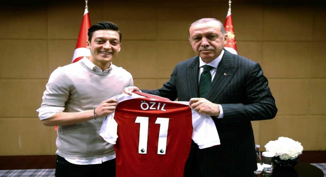"""Mannschaft : Özil quitte la sélection en évoquant le """"racisme"""""""