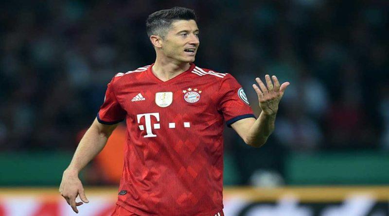 Allemagne: Le Bayern bat Schalke 04 avec le triplé de Lewandowski